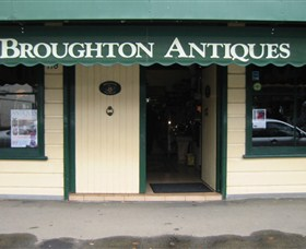 Broughton Antiques - Accommodation Perth