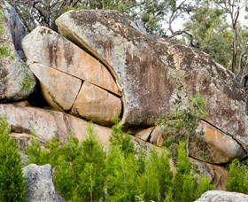 Frog Rock - Accommodation Perth