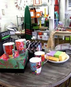 The Famous Tinonee Cafe and Gift Shop - Accommodation Perth