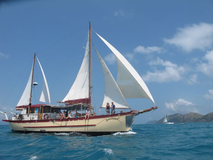 Adventure Cruise Dive and Outer Reef - Whitsundays Sailing Adventures - Accommodation Perth