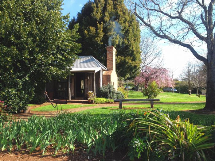 Mont De Lancey Historic Property Tours - Accommodation Perth