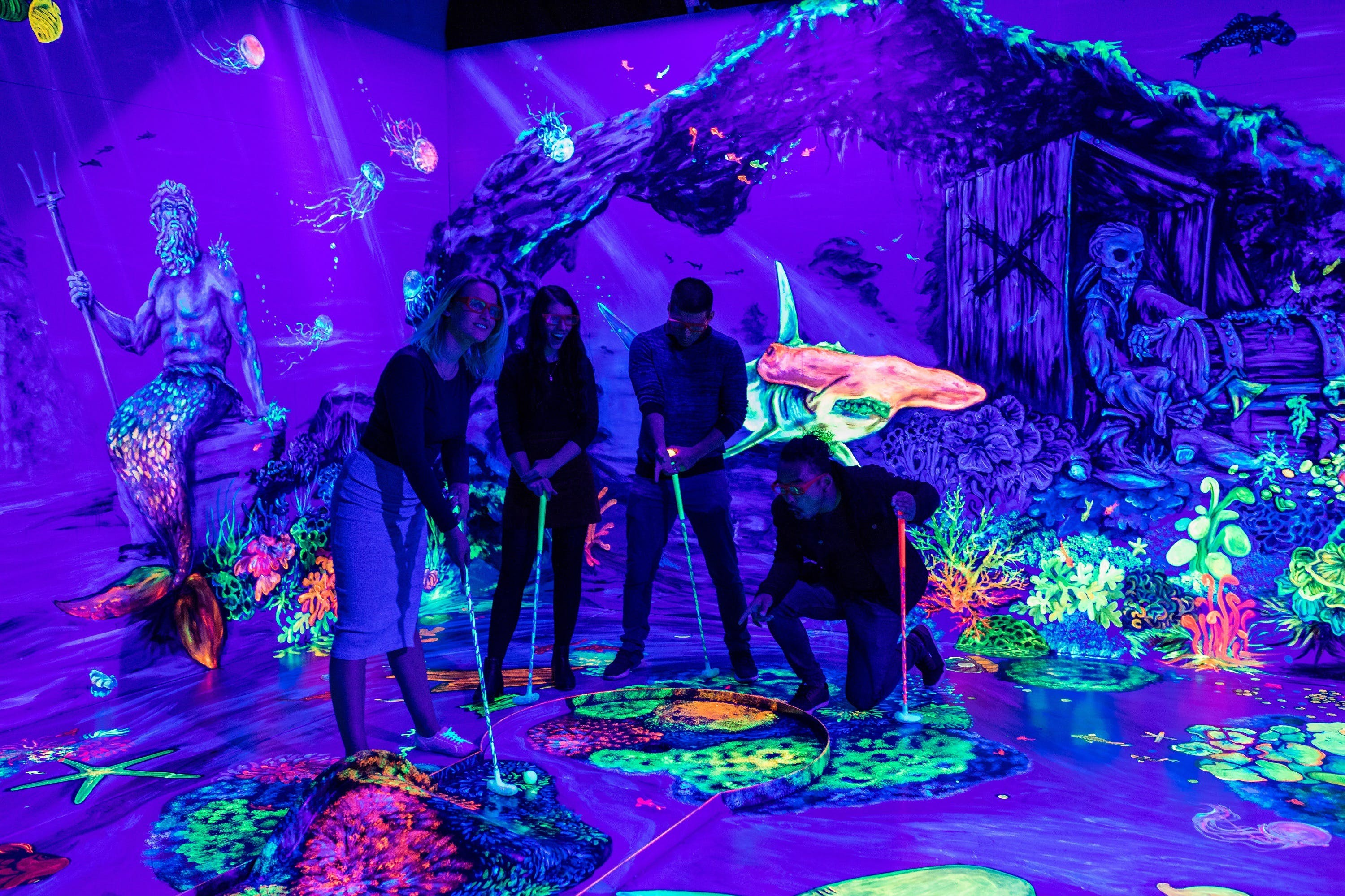 Glowing Rooms 3D Mini Golf - Accommodation Perth