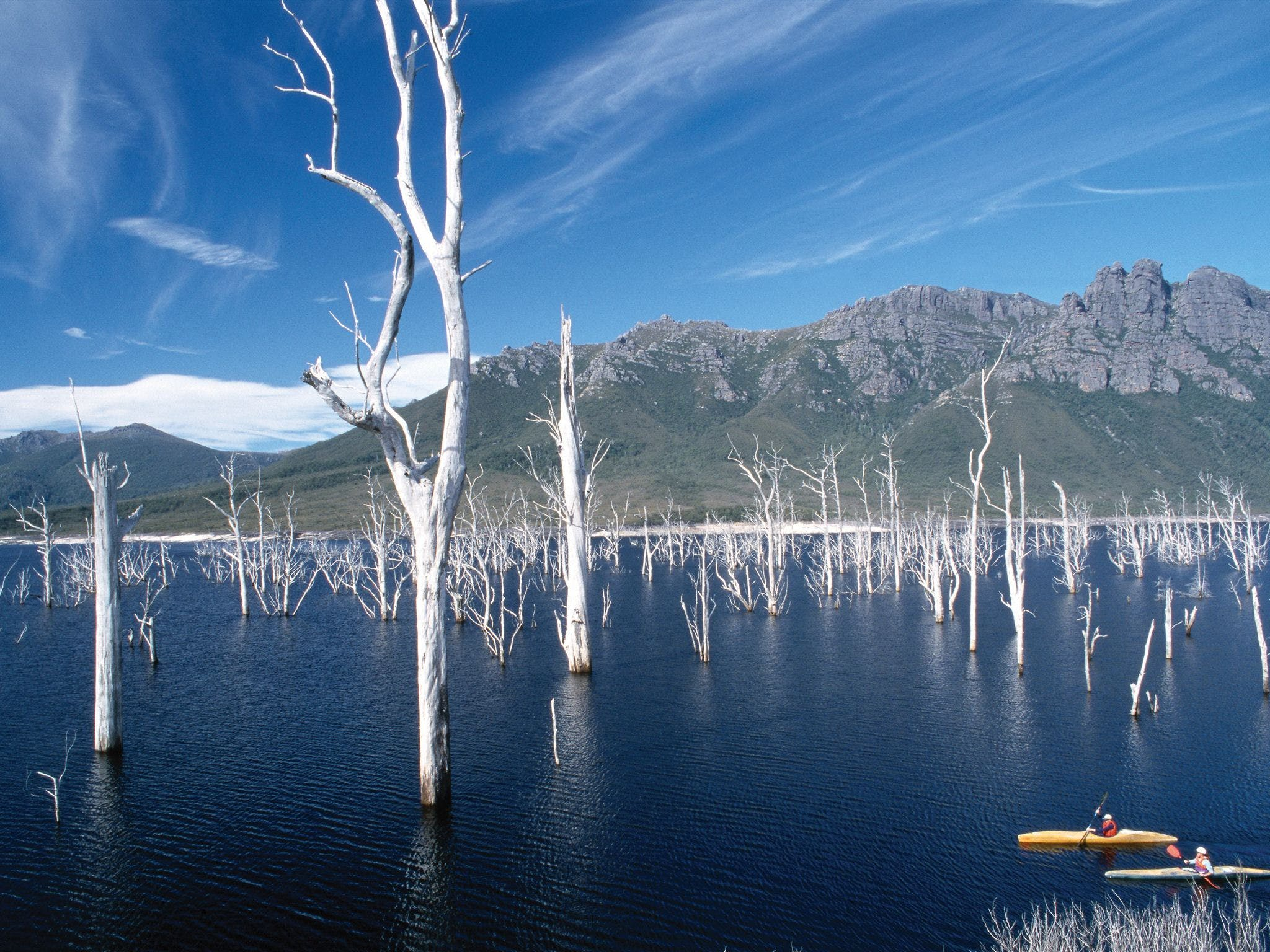 Lake Gordon - Lake Pedder - Strathgordon - Accommodation Perth