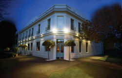 O'Connells Centenary Hotel - Accommodation Perth