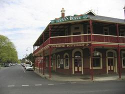 Ryans Hotel - Accommodation Perth
