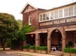 Burrawang Village Hotel - Accommodation Perth