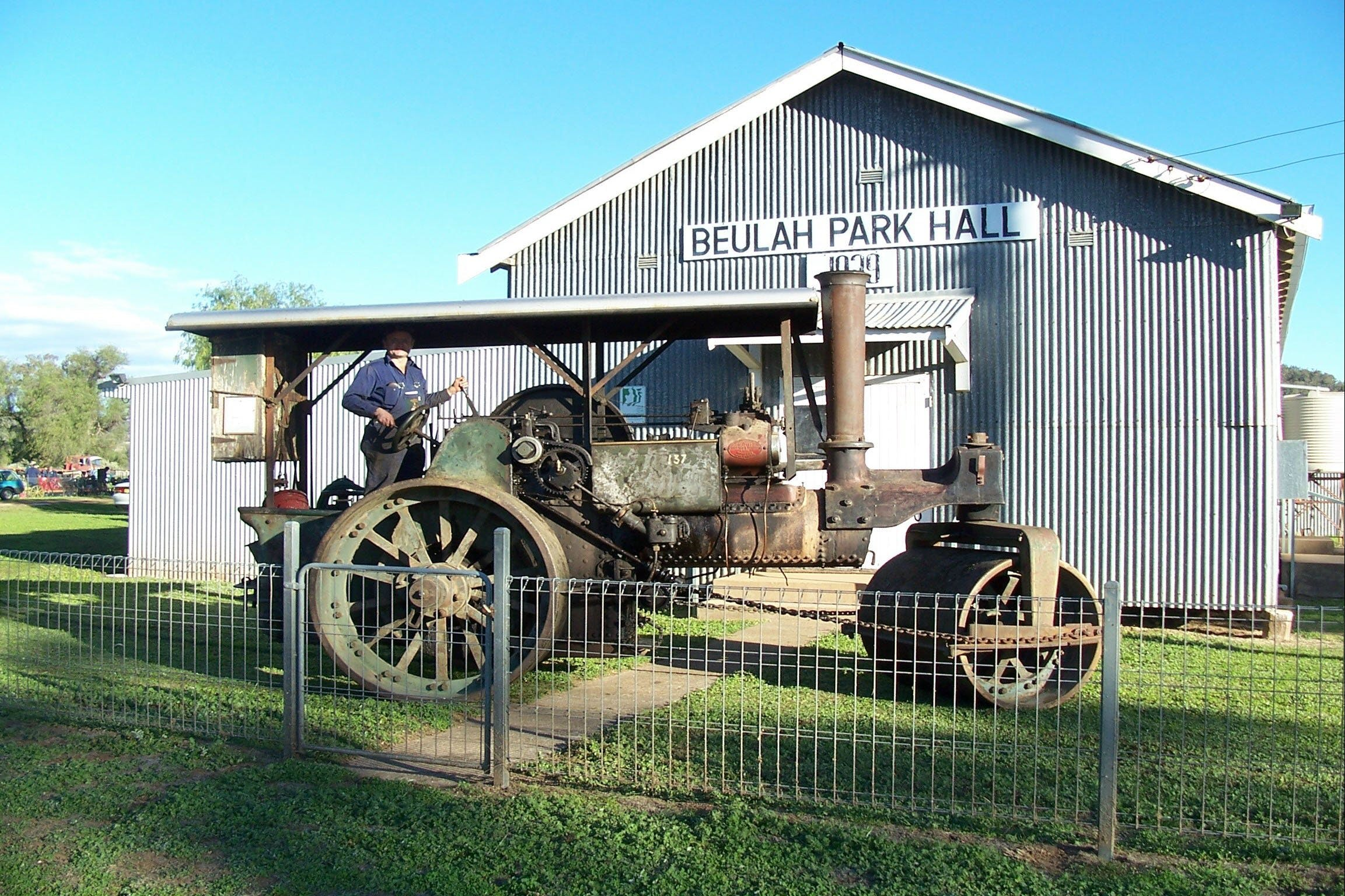Eulah Creek Antique and Machinery Day - Accommodation Perth