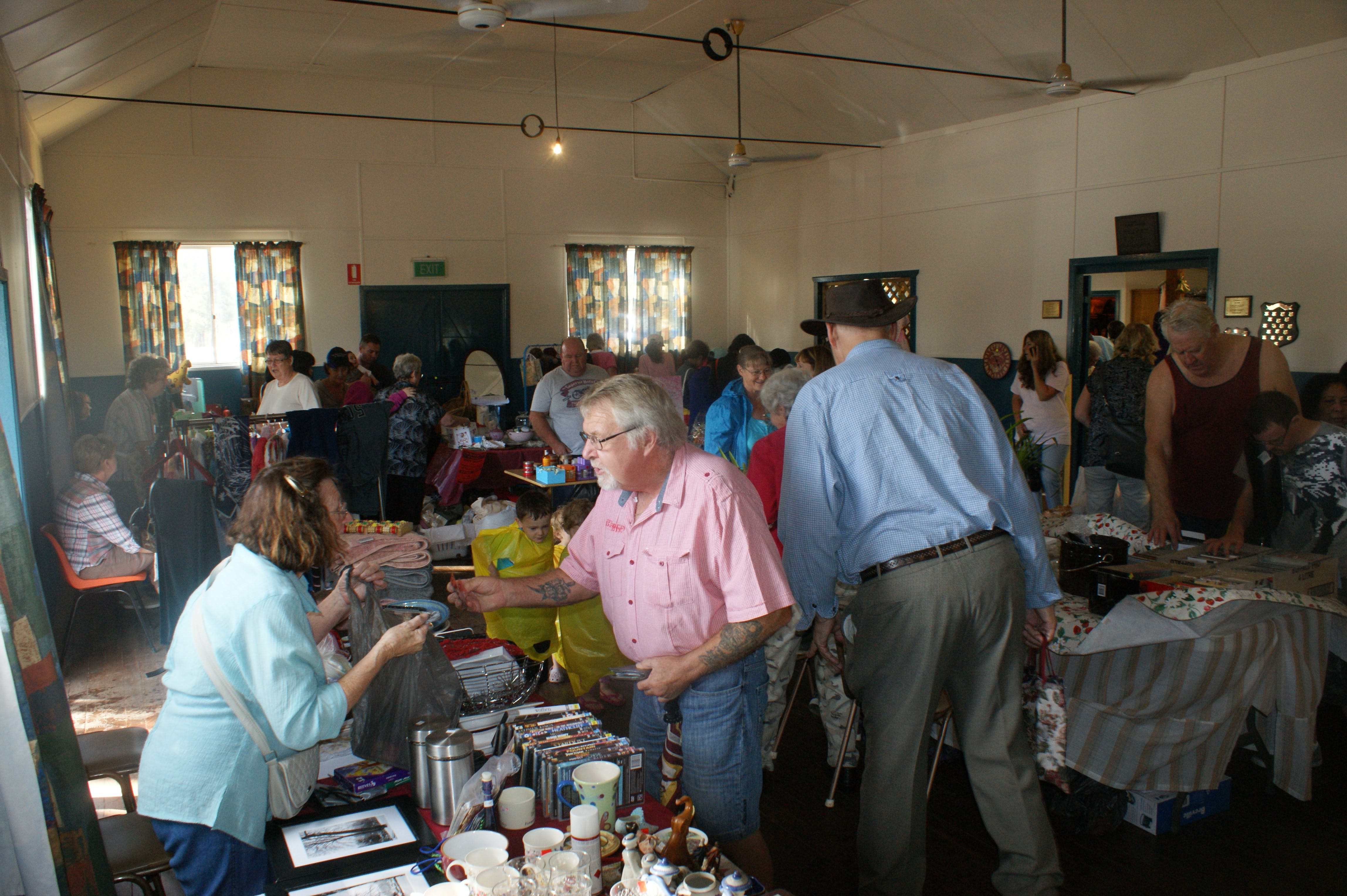 Twilight Markets at East Kurrajong - Accommodation Perth