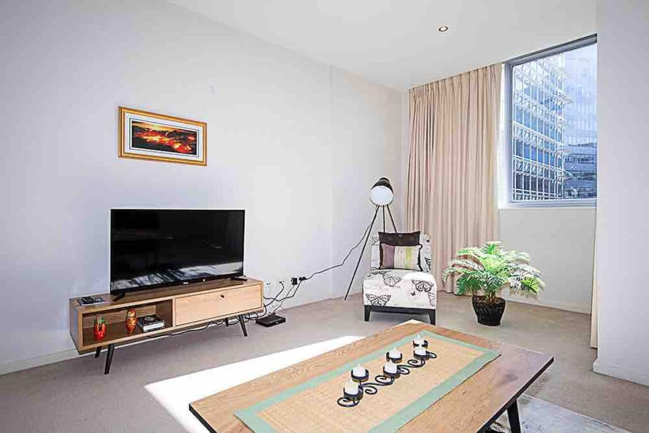 Spacious 1BR Stylish New Acton Apartment Parking - Accommodation Perth