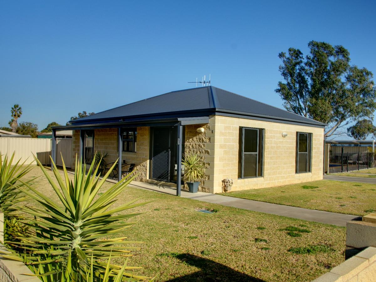 DBJ Holiday Units - Accommodation Perth