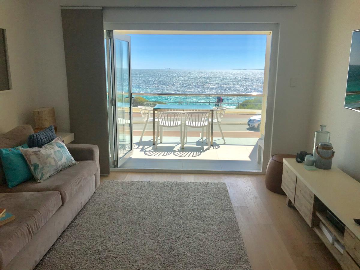 Cottesloe Beachfront Ocean View Apartment - Accommodation Perth