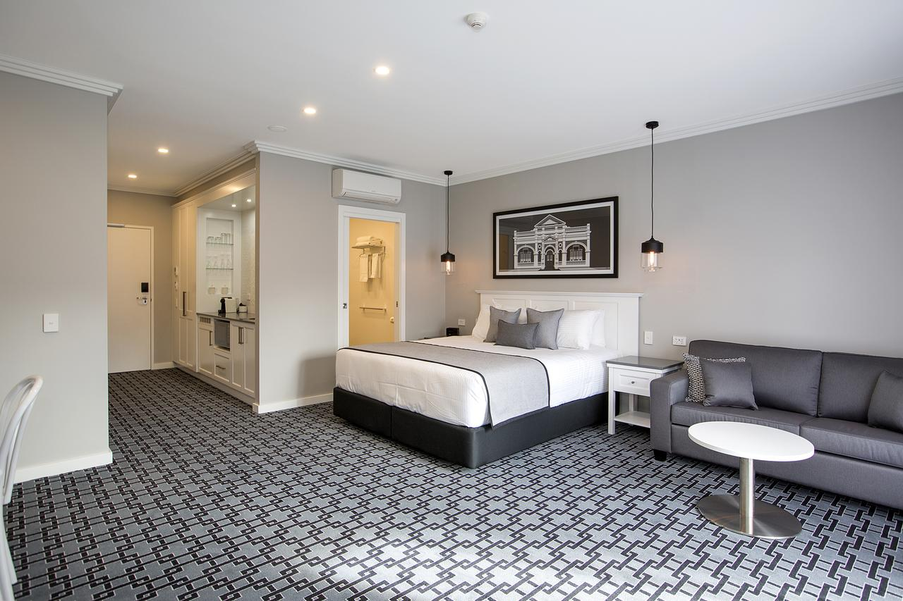 CH Boutique Hotel - Accommodation Perth