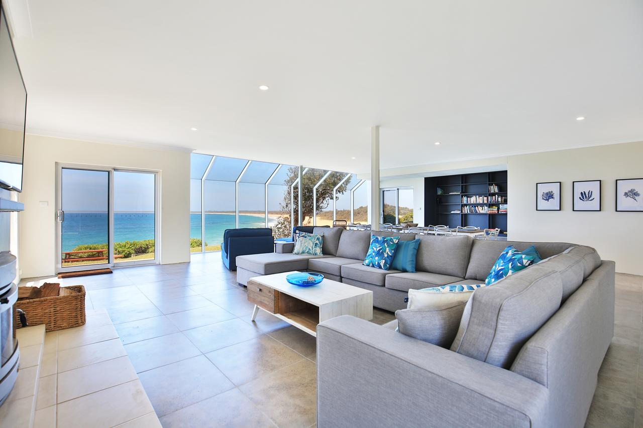 Neptune - Absolute Beachfront - Accommodation Perth