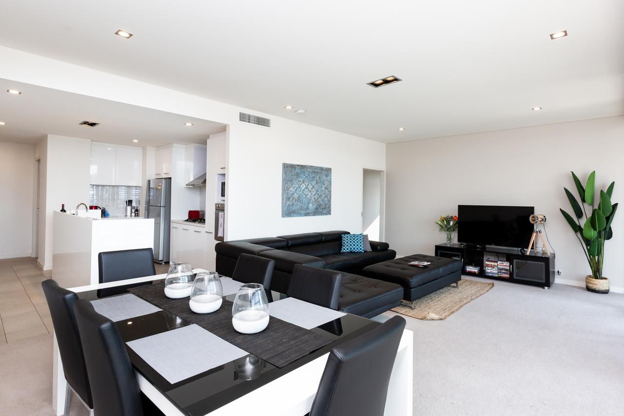 Brand New Executive Apartment - Accommodation Perth