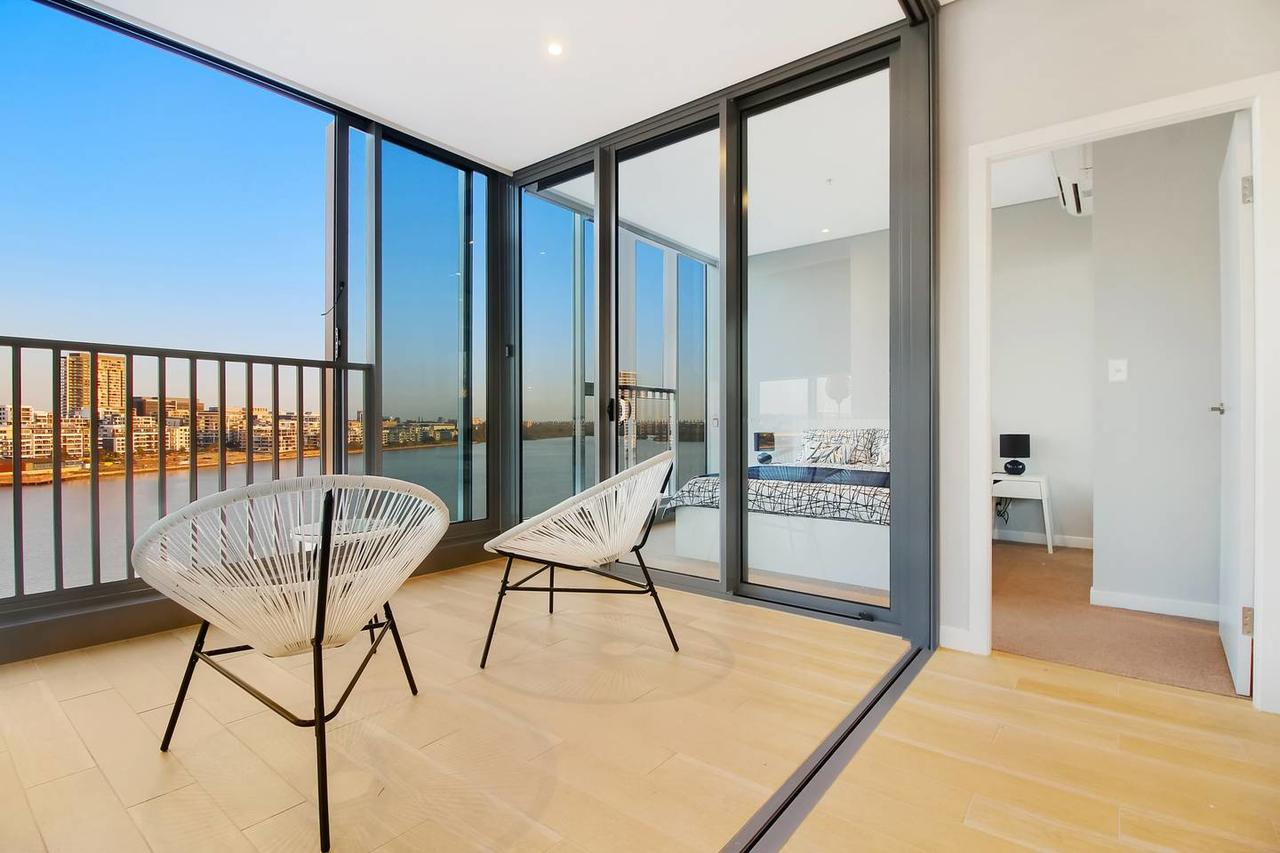 Brand New 3 Bedrooms Apt with Waterfront View - Accommodation Perth