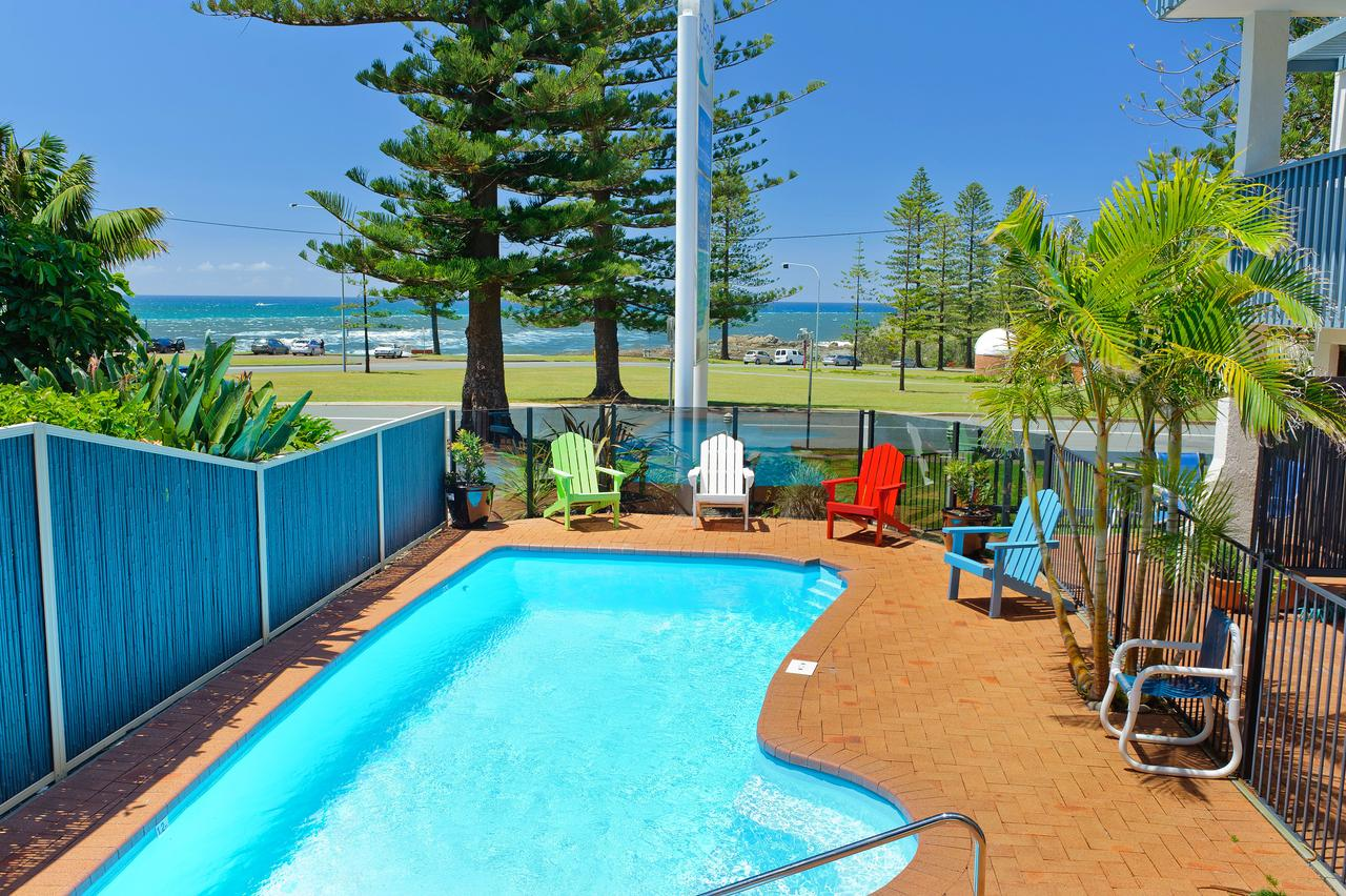 Beach House Holiday Apartments - Accommodation Perth