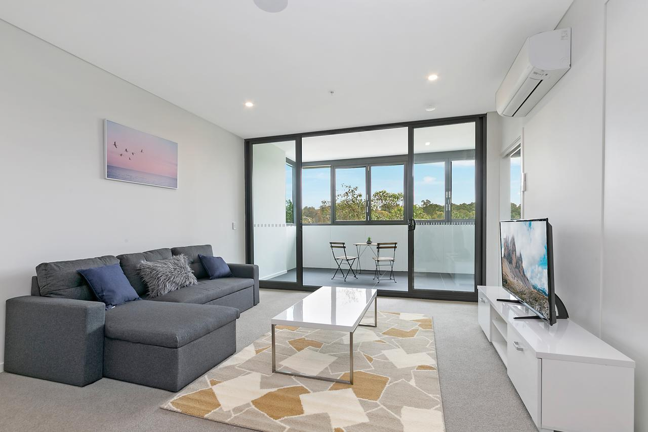 Stylish and Neat two bed apartment in Wentworth Point - Accommodation Perth