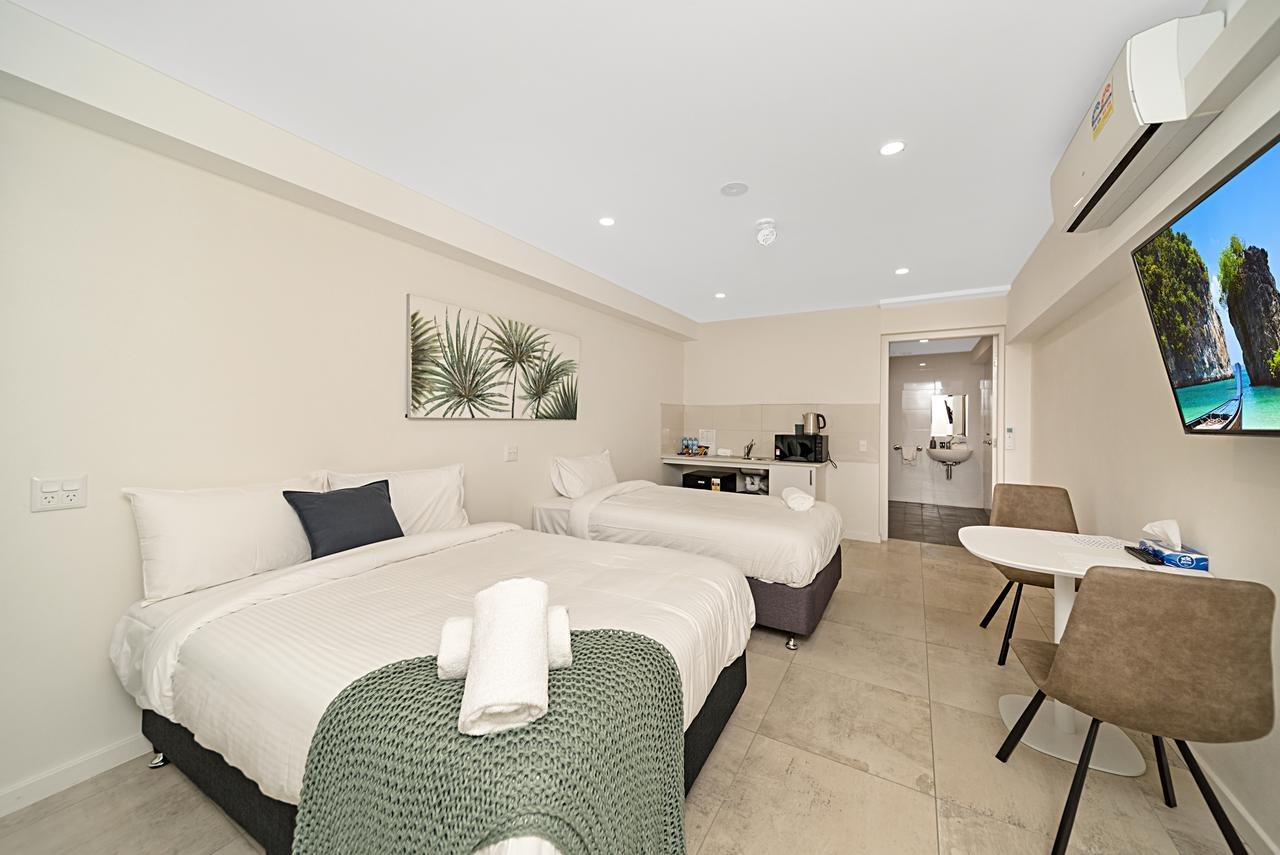 Carlton Suites - Accommodation Perth
