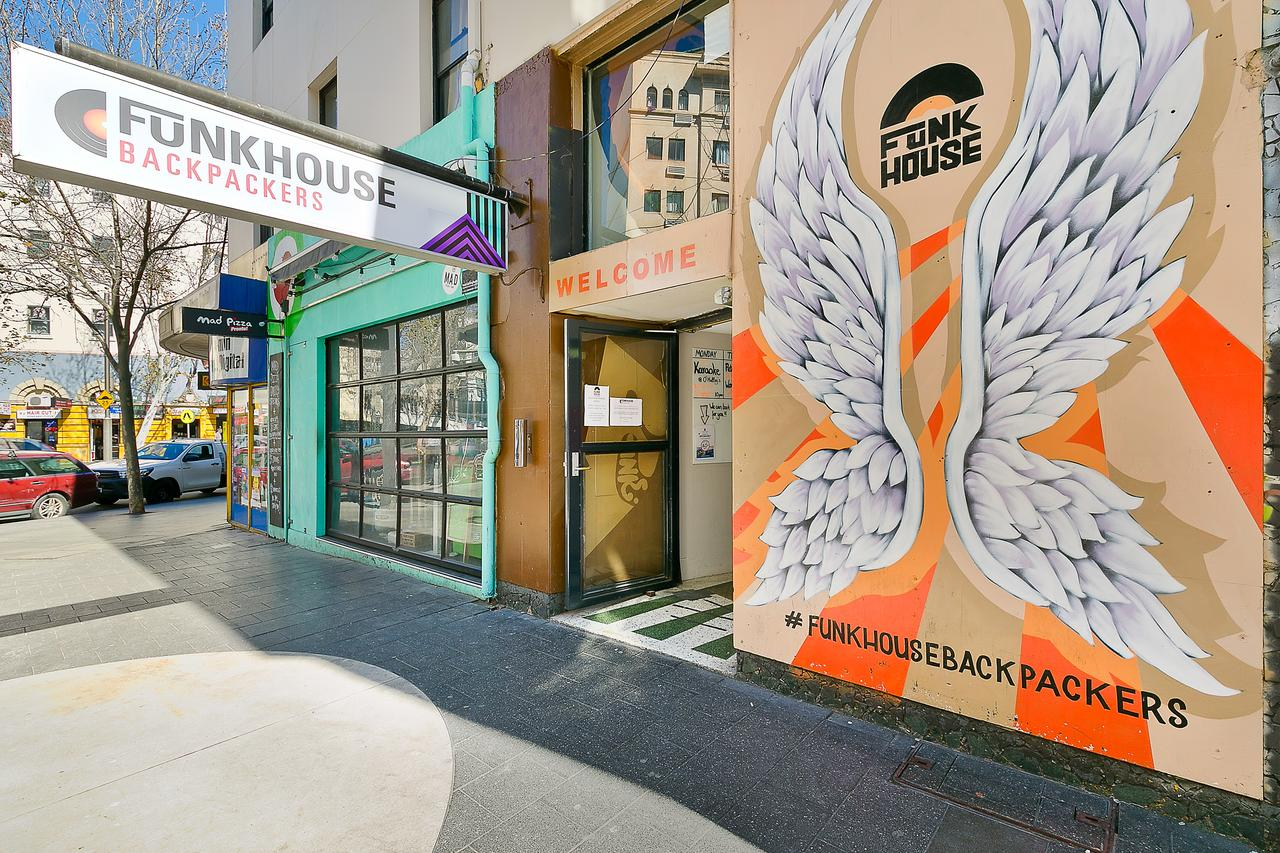 Funk House Backpackers - Accommodation Perth