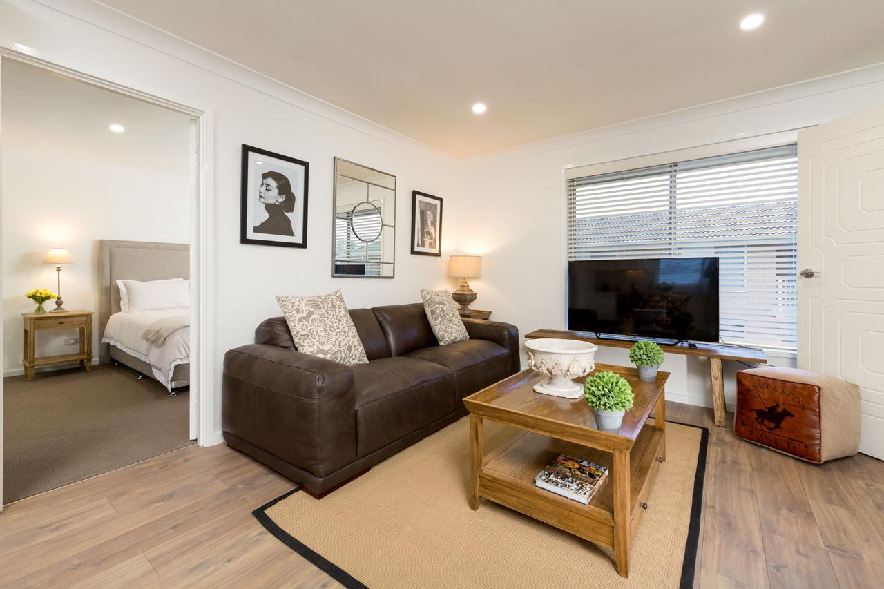 Sleeping in Style - Central  Sophisticated - Accommodation Perth