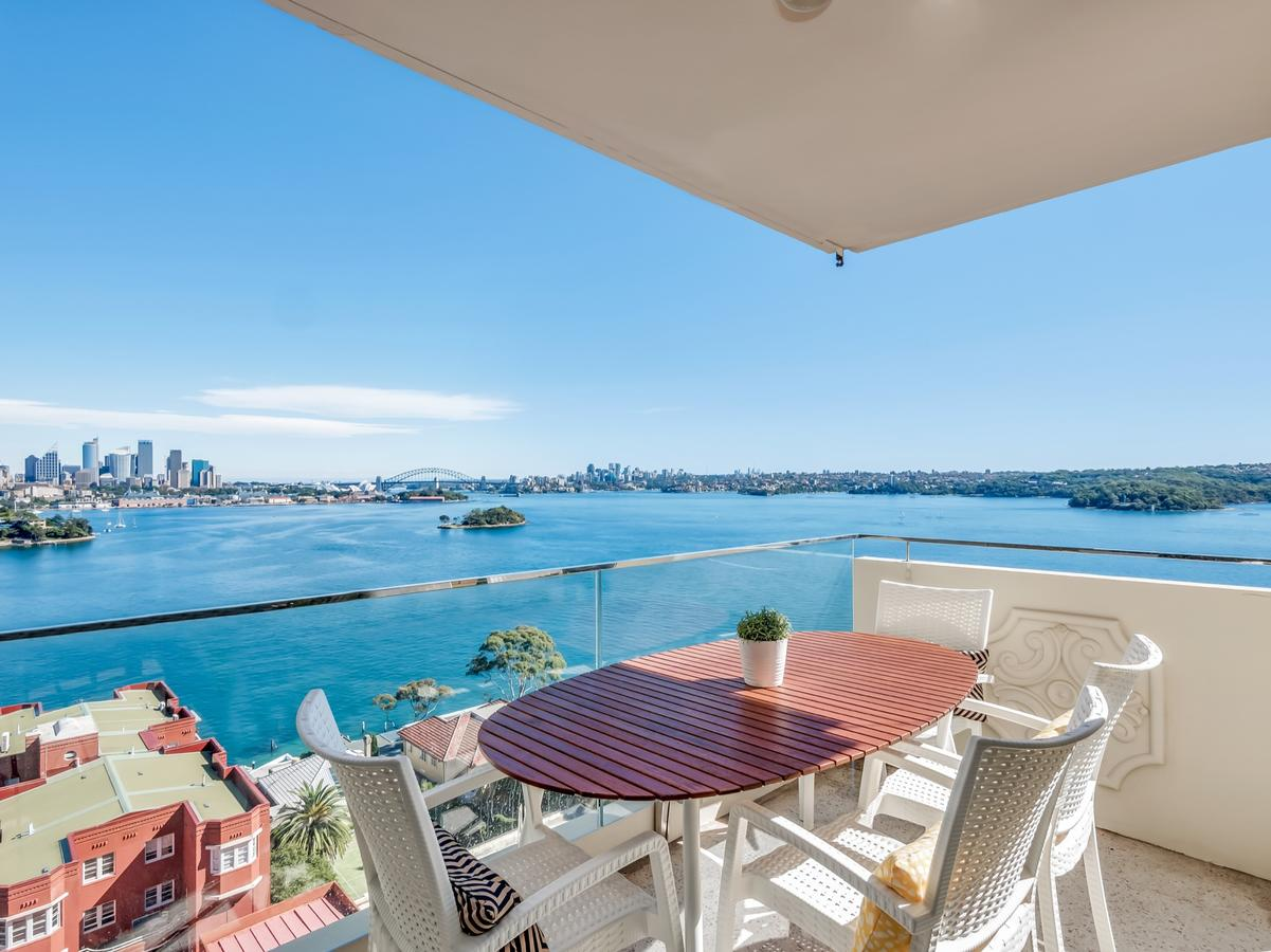 Panoramic harbour views and unbeatable comfort - Accommodation Perth