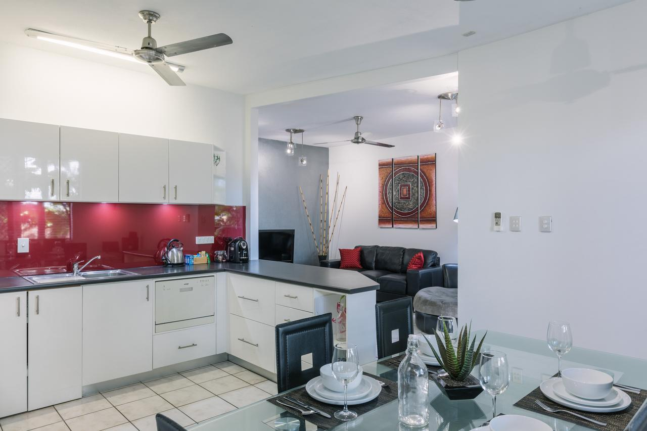 CitySide Apartment - 2 Bedroom with Private Courtyard - Accommodation Perth