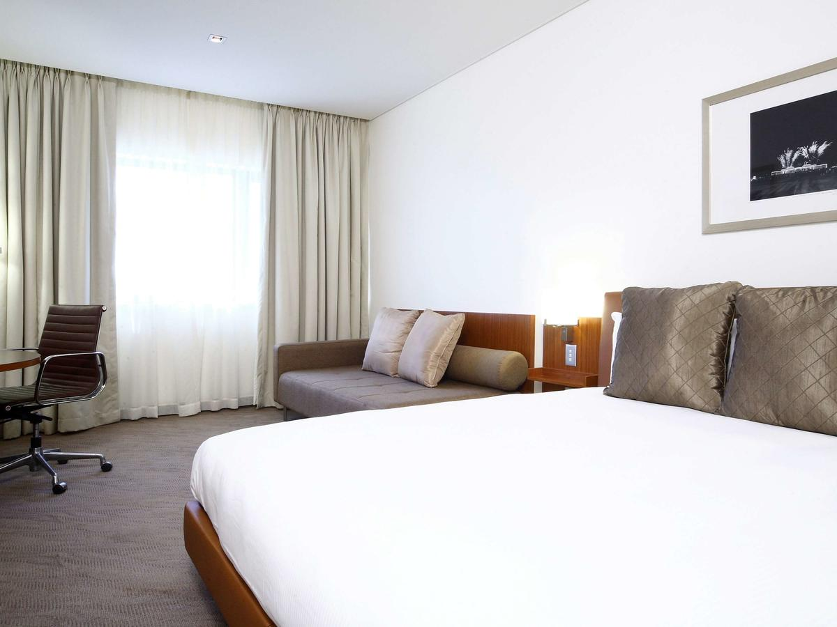 Novotel Canberra - Accommodation Perth