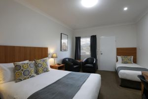 Cadman Motor Inn and Apartments - Accommodation Perth