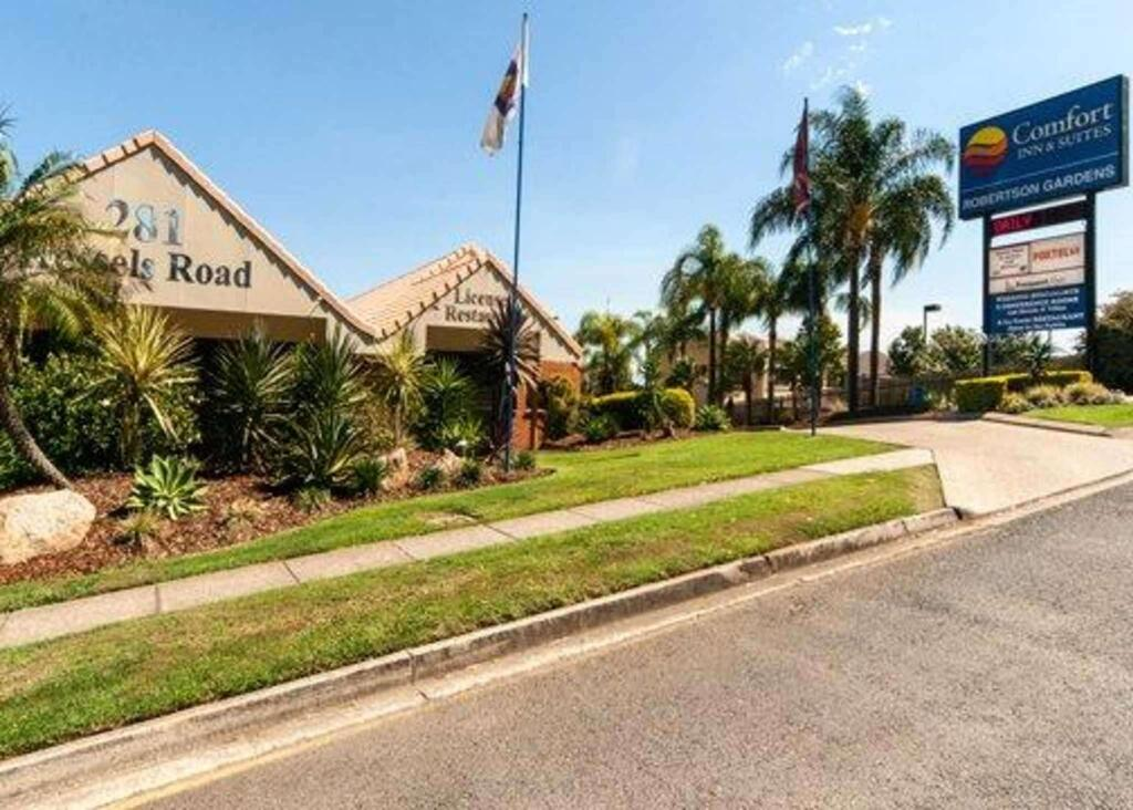 Comfort Inn and Suites Robertson Gardens - Accommodation Perth
