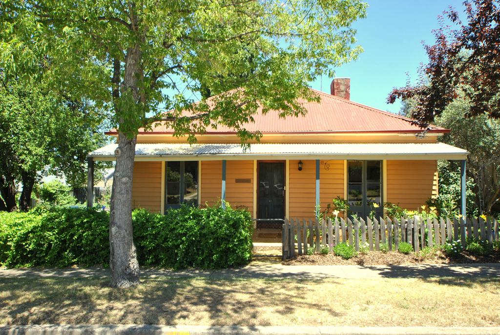 Cooma Cottage - Accommodation Perth