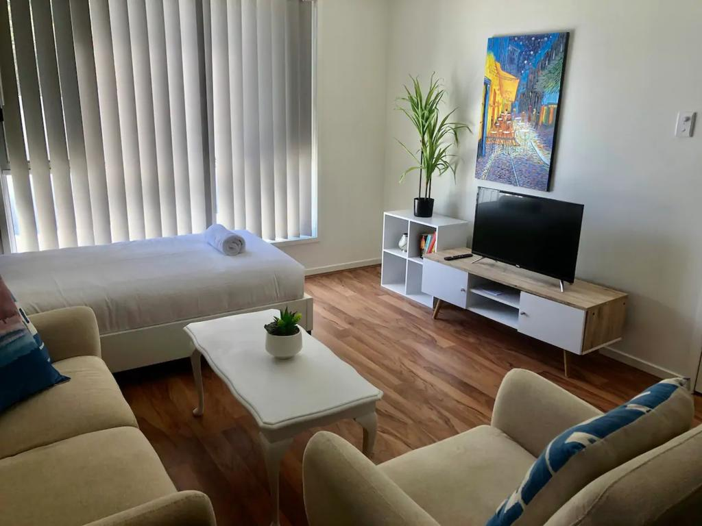 Modern Unit Near To Surfers Paradise - Accommodation Perth