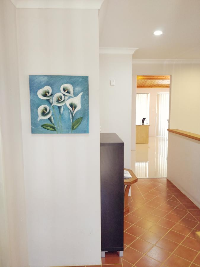 Cosy easy access home near Perth CBD and Fremantle - Accommodation Perth