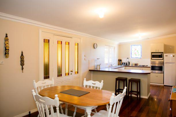 Yvonnes Rest Holiday Home - Accommodation Perth