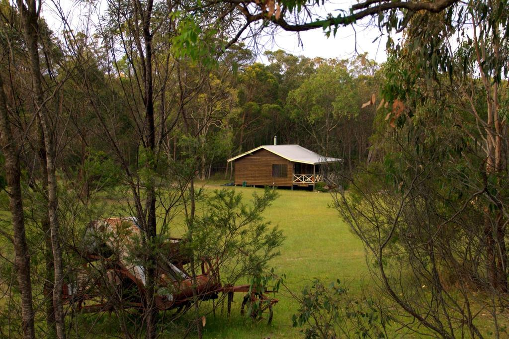 Possum's Hollow and Hooter's Hut - Accommodation Perth