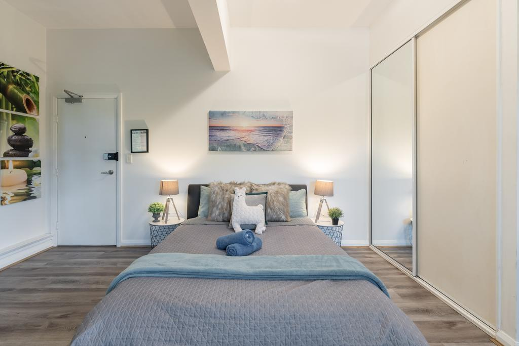 Spacious Studio 2mins to StationShopping Sleeps4 B - Accommodation Perth