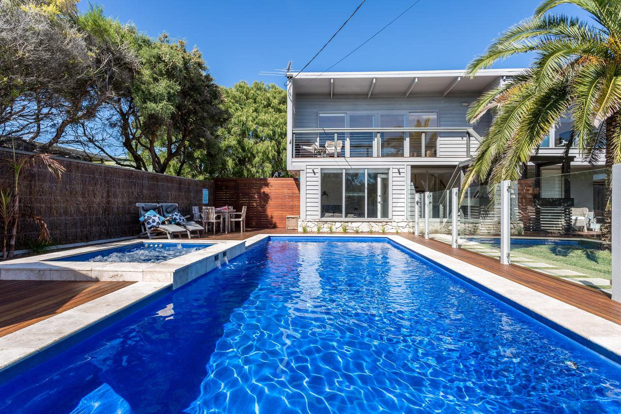 Front Beach House - Accommodation Perth