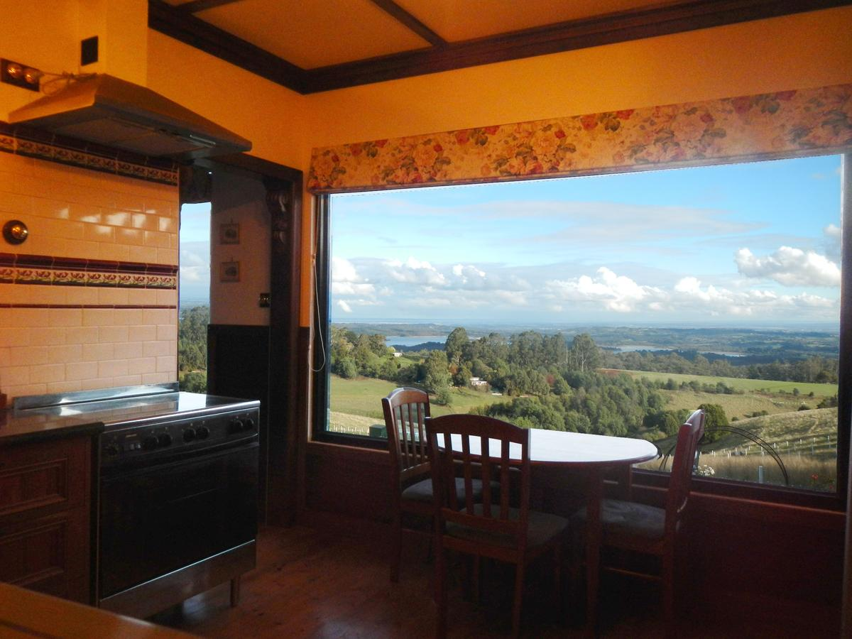 A Cottage with a View at Tudor Ridge - Accommodation Perth