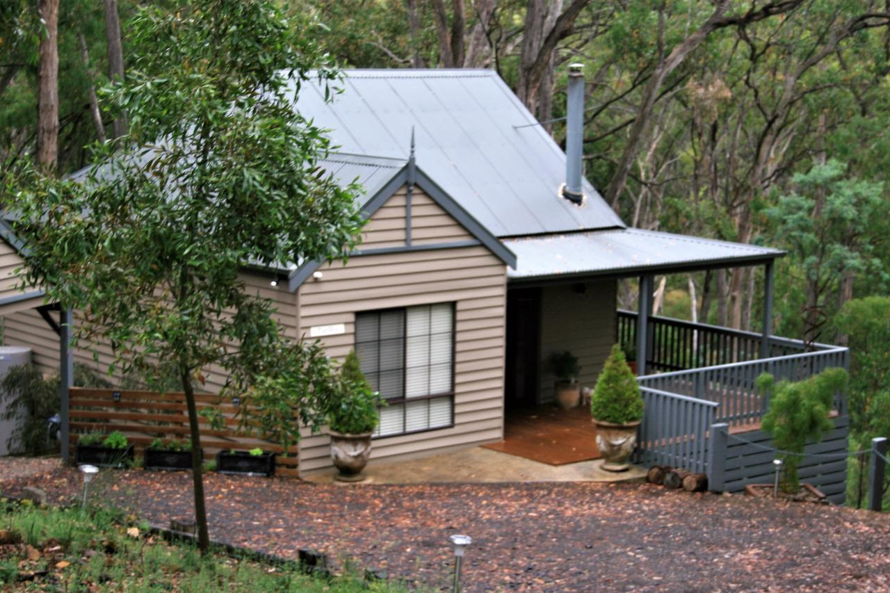 Tangenong Cottages - Accommodation Perth