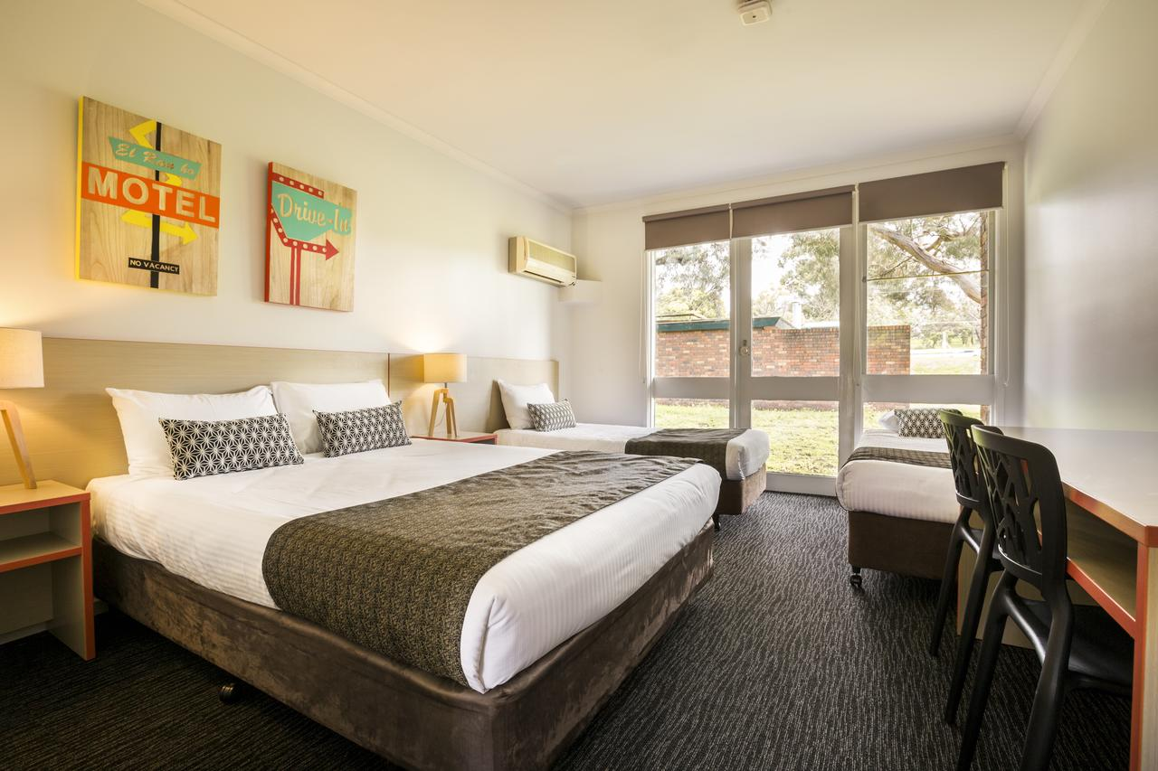 Burvale Hotel - Accommodation Perth