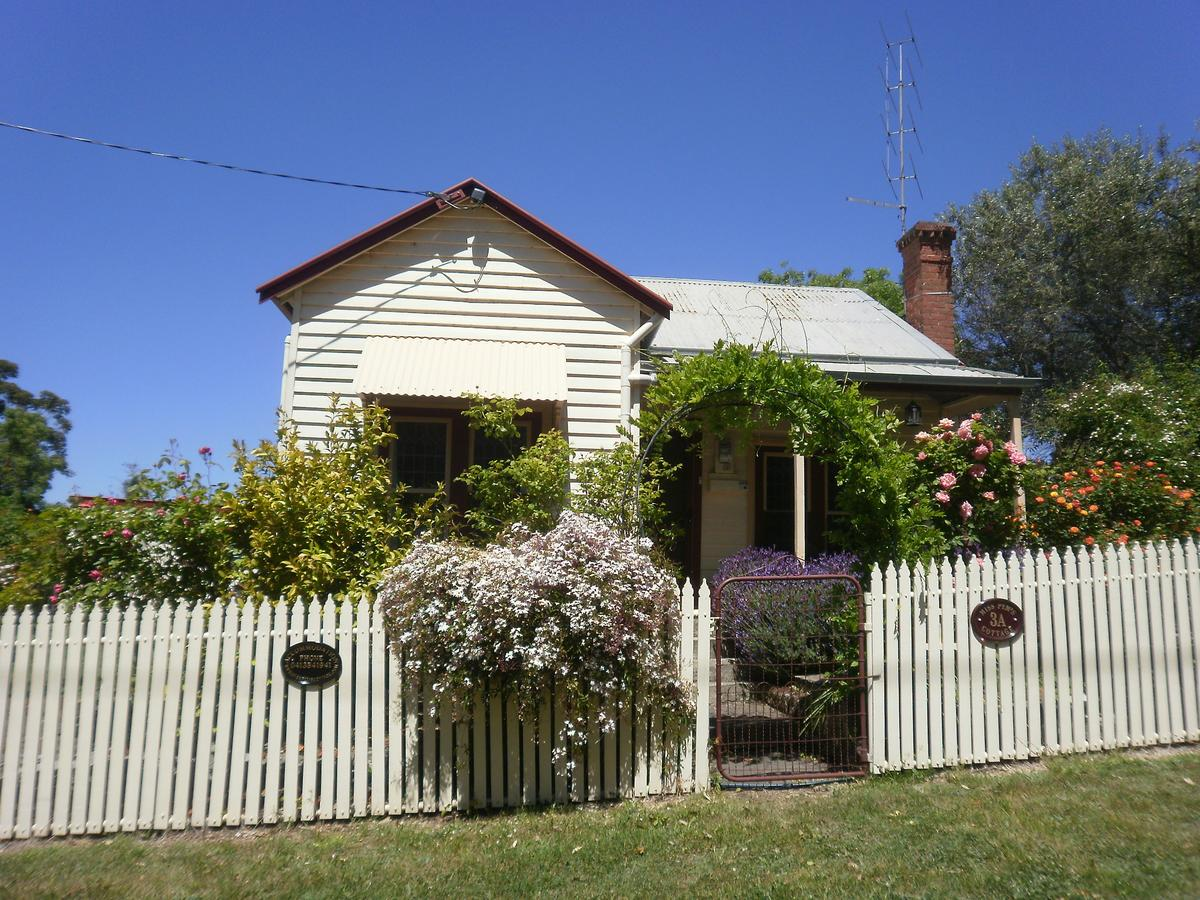 Miss Pym's Cottage - Accommodation Perth
