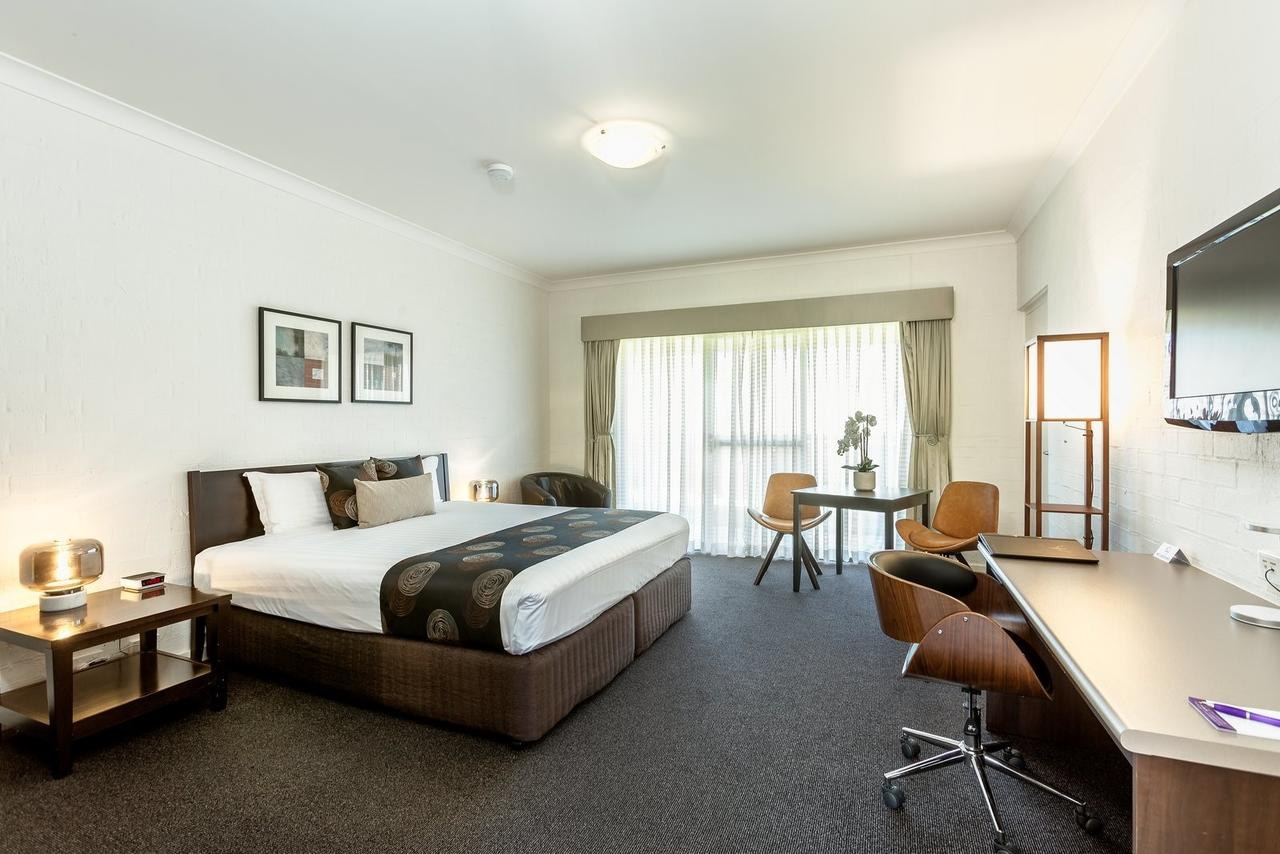 Blazing Stump Motel  Suites - Accommodation Perth