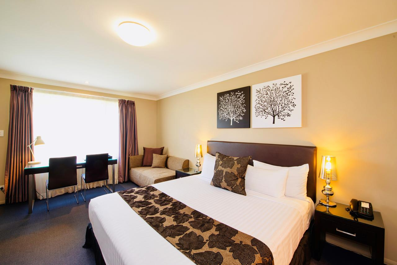 Best Western Plus Ambassador On Ruthven Motor Inn - Accommodation Perth