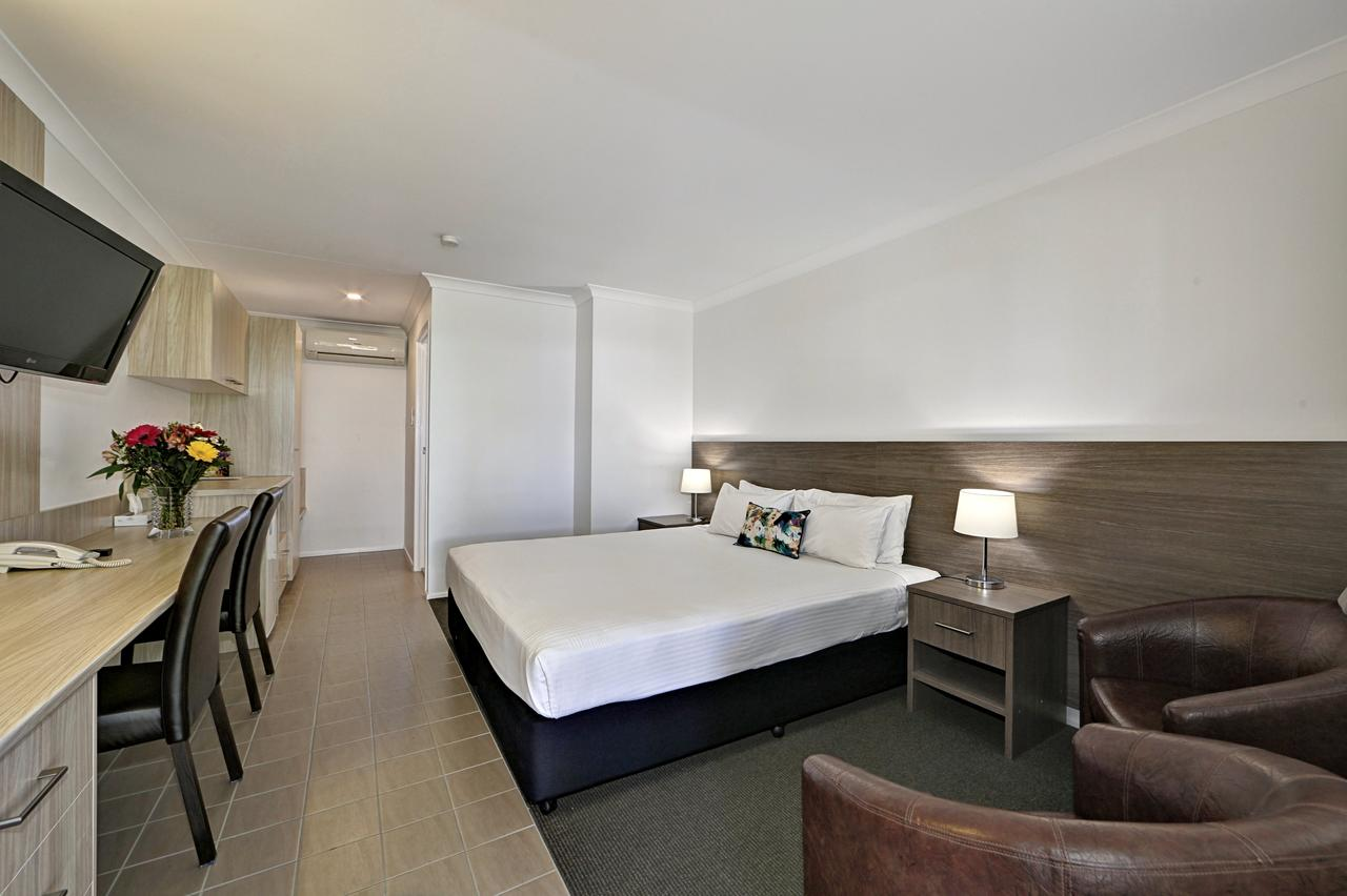 Smart Motels Bert Hinkler - Accommodation Perth