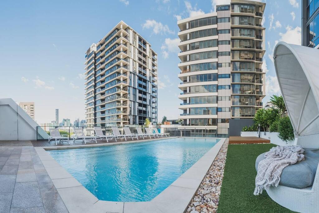 2 Bed Brisbane Resort Apartment - Accommodation Perth