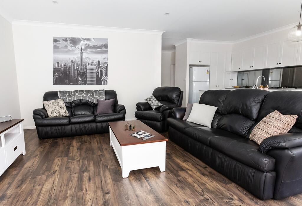 4 Bedroom Inner City Townhouse - SLEEPS 9  - Accommodation Perth