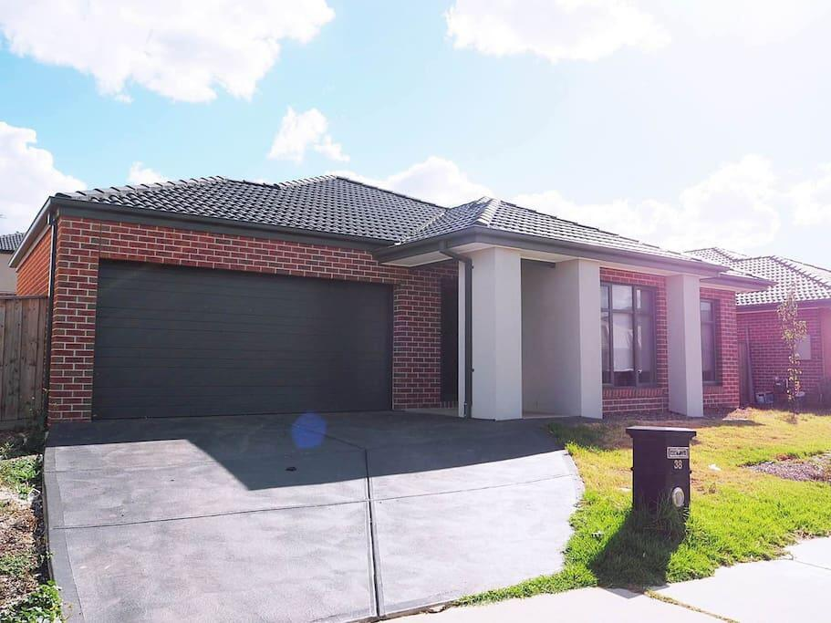 5 Bed 2 Bath big house - Accommodation Perth
