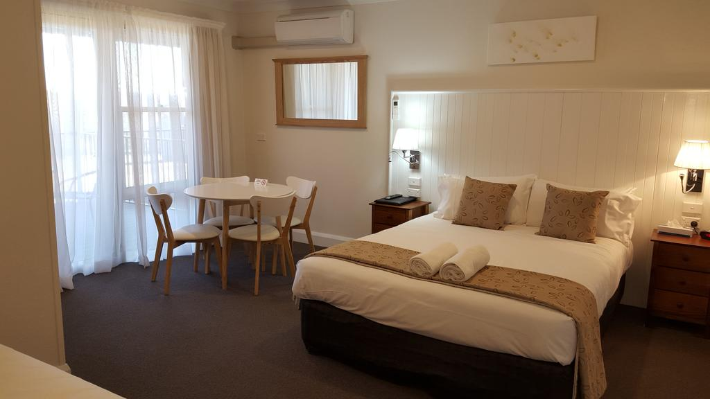 Bathurst Gold Panner - Accommodation Perth